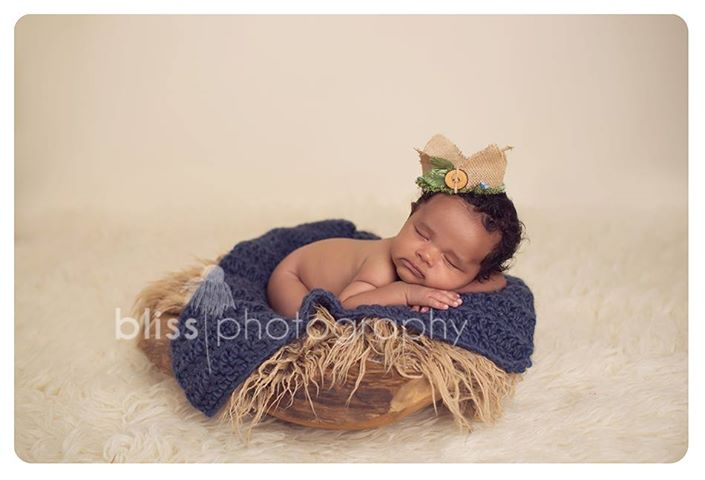 Willow King Burlap Crown | Blueberry