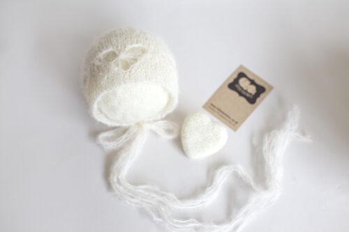 Newborn Heart Bonnet