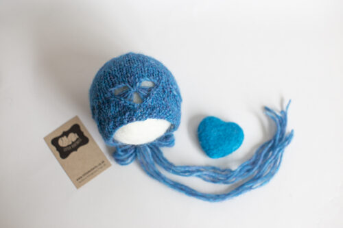 Newborn Vintage heart Bonnet