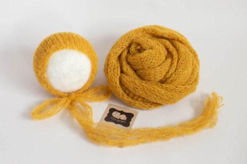 Mustard Wrap & Bonnet