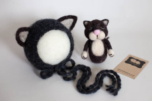 Newborn Cat Bonnet